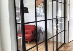 Skab mindre rum i rummet med en New Yorker væg